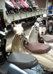 並ぶバイク